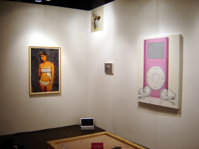 Installation view, booth Photo LA