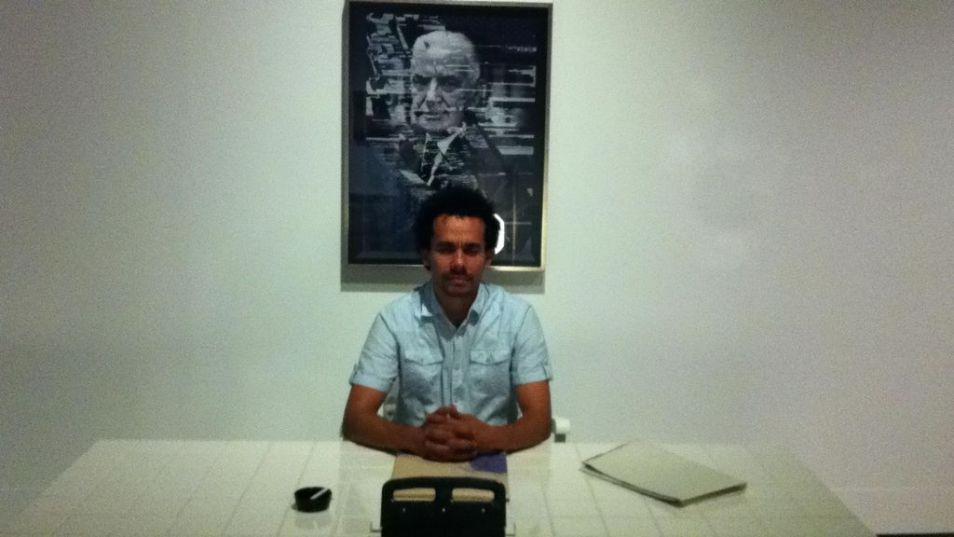 Vista de instalación, En oposición: decomiso de un proyecto y el artista en MAPR